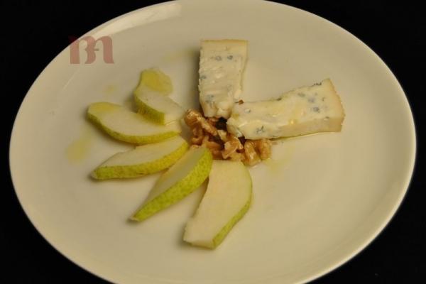 insalata-di-pere-noci-e-gorgonzolaA54C0C84-46C5-01CD-635B-C48F7E1DD4C6.jpg